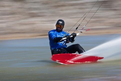 record du monde de vitesse en kitesurf association fran aise de la classe kite. Black Bedroom Furniture Sets. Home Design Ideas